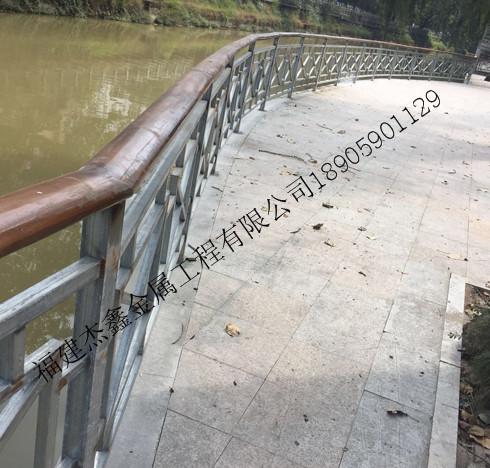 铁艺栏杆如果生锈了该怎么办有什么除锈方法呢