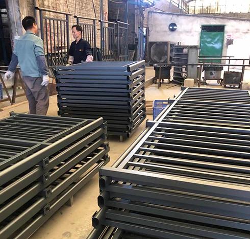铁艺护栏切割后横截面的处理方式