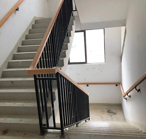 楼梯防护栏