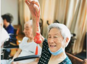 爷爷奶奶们的集体活动