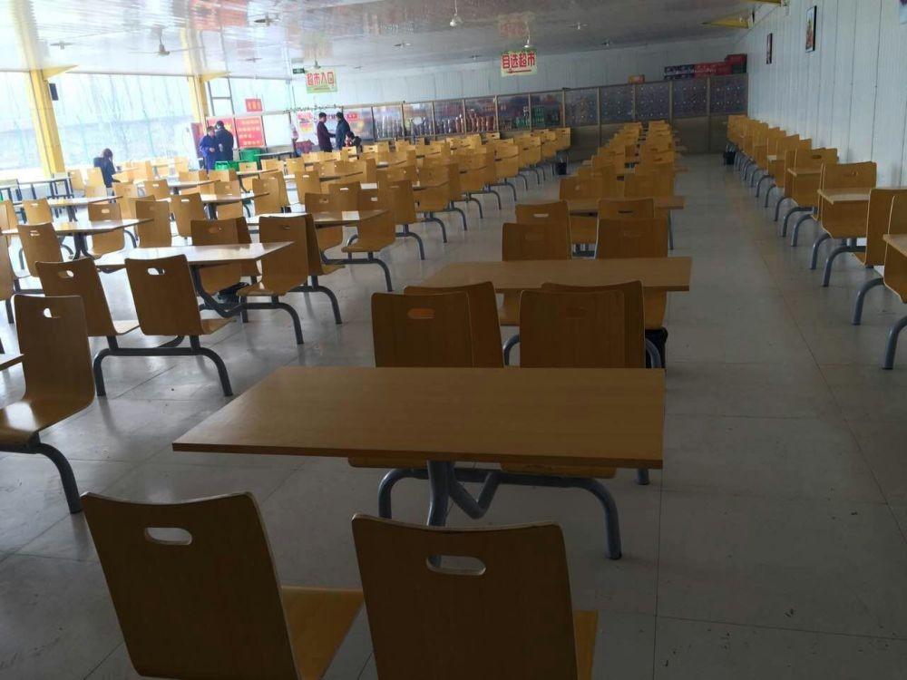 學校食堂桌椅