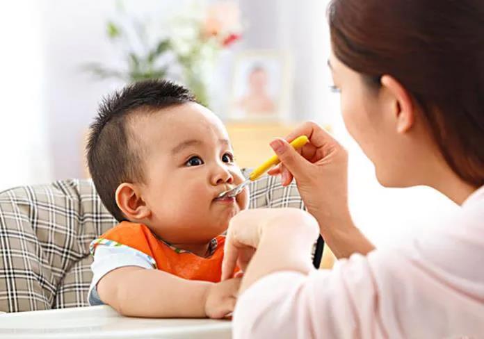 如何减少婴儿吐奶?