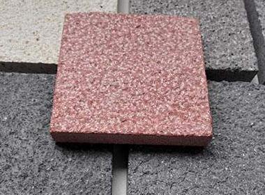 是用什么方法可以让透水砖更漂亮呢?