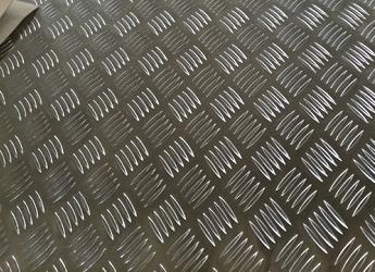防滑花纹铝板