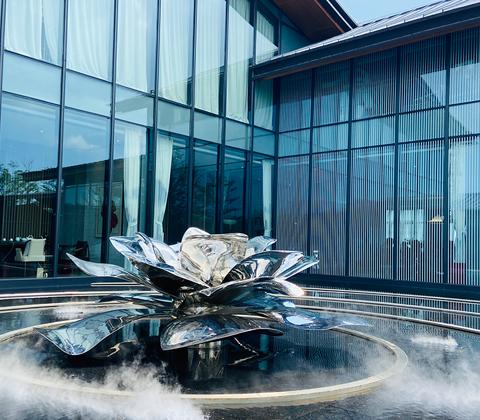 酒店不锈钢流水风景雕塑