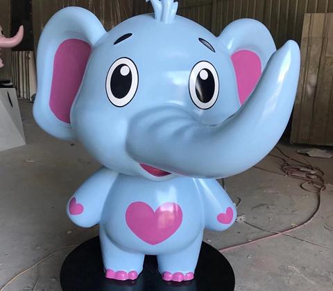 動漫雕塑粉藍小象