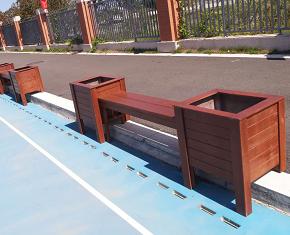 长乐滨海实验小学安装防腐木花箱