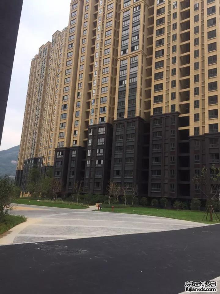 西亭康城20万平米楼盘真石漆工程案例