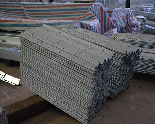 福建热镀锌层产生白锈的原因分析