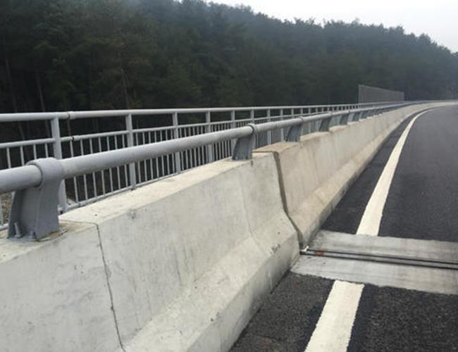 山路防撞护栏