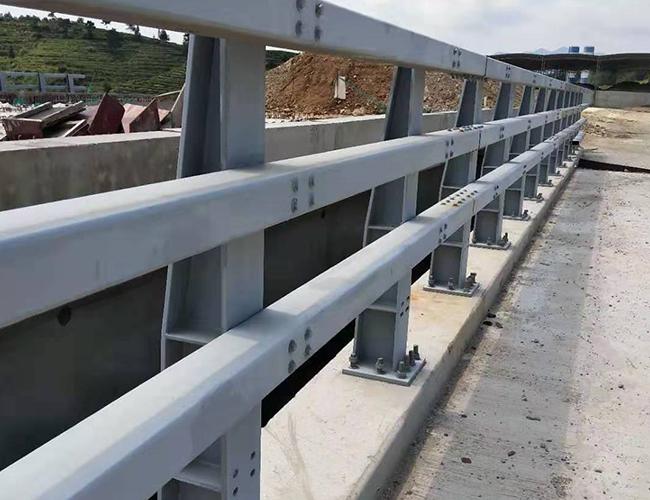 定制桥梁防撞护栏