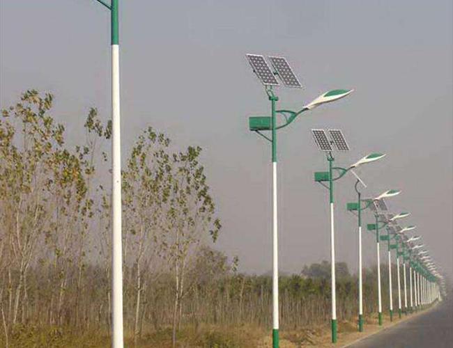 太阳能LED路灯杆