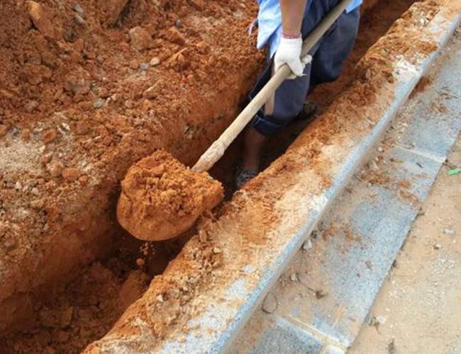 路灯基础电缆套管管道开挖