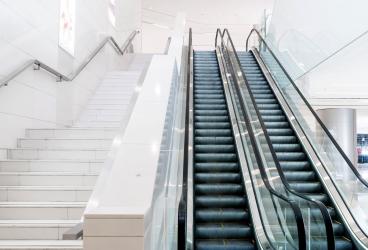 商場自動扶梯