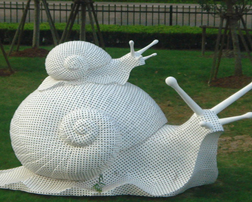 镂空动物雕塑