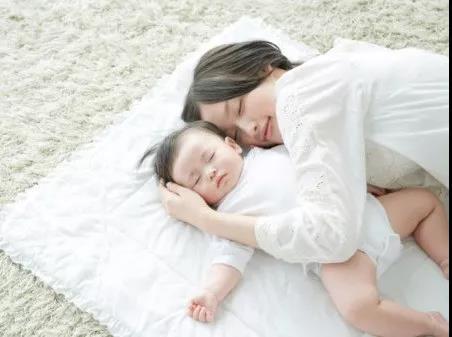 夏季宝宝护理,妈妈最关心的问题!