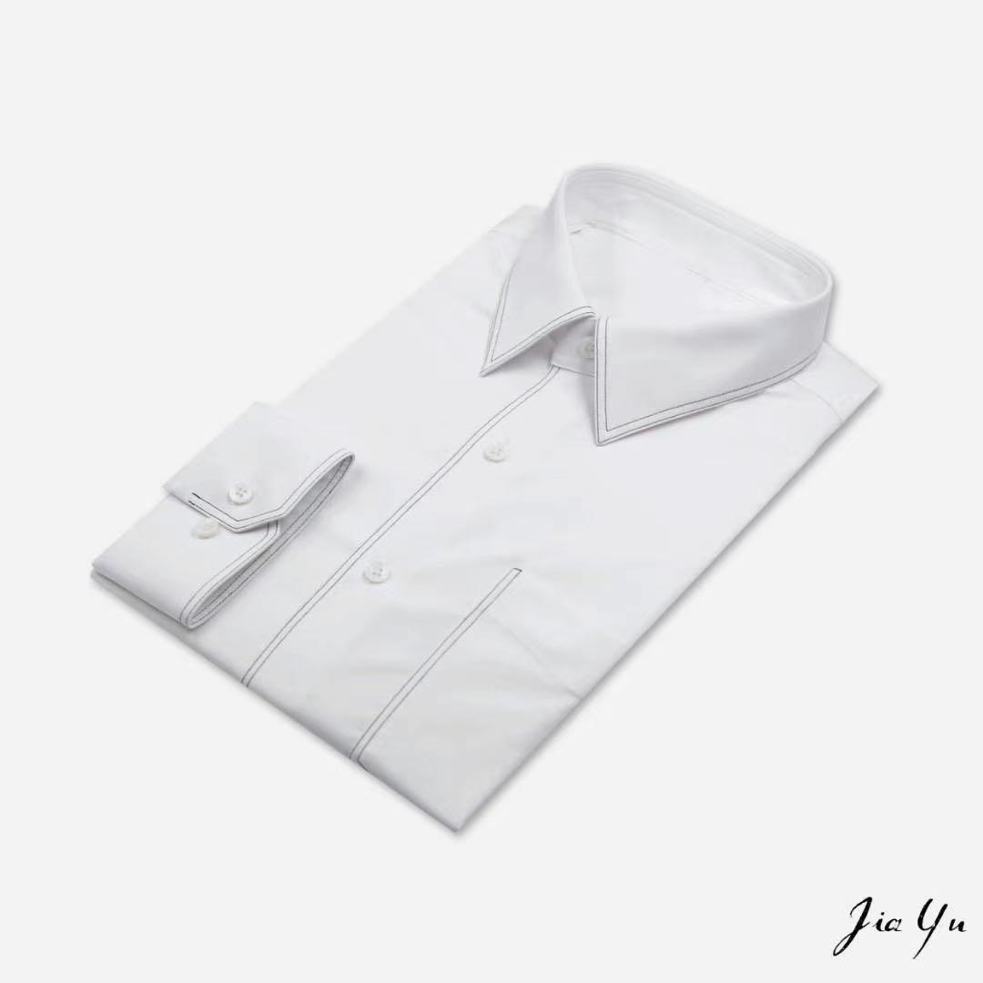 夏季衬衫搭各色休闲短裤也是个很不错的选择!