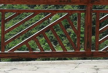 修改仿木纹景观栏杆
