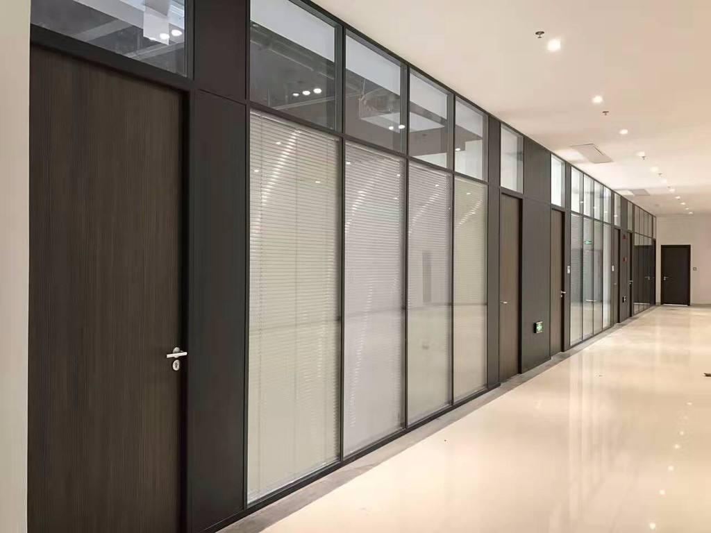 办公室玻璃隔断及高隔断的价格区间