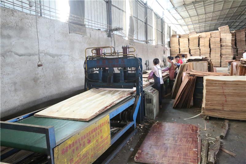 桂林建筑模板厂家浅析木质建筑模板的优点