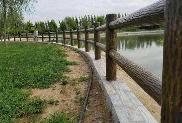 仿树皮栏杆