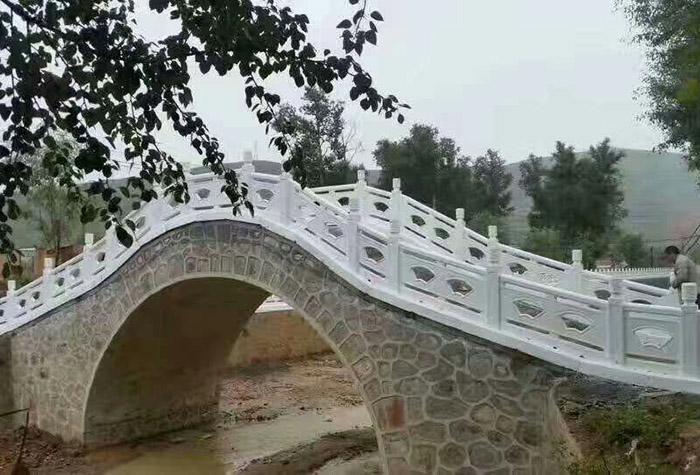 桥梁仿石护栏