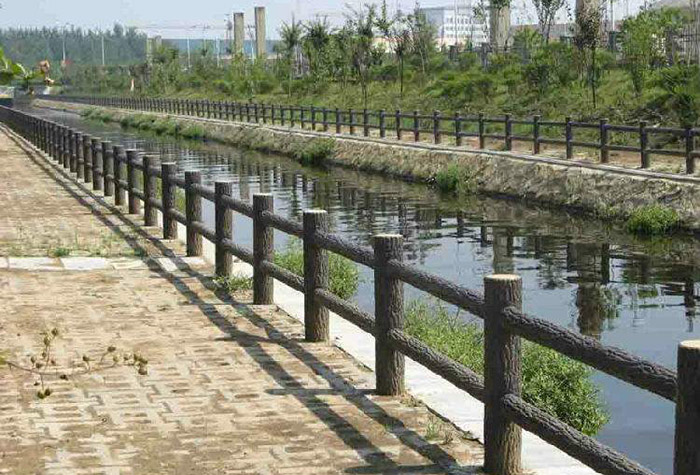 堤坝仿木护栏
