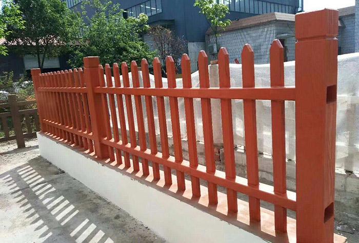 小区仿木围栏