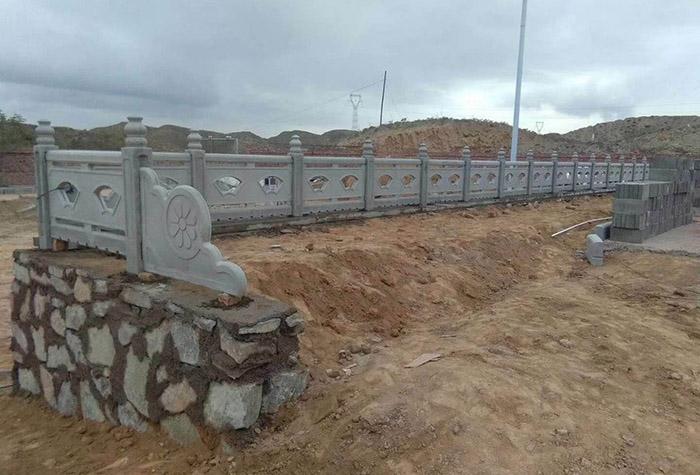 白銀考試中心仿石護欄設計施工