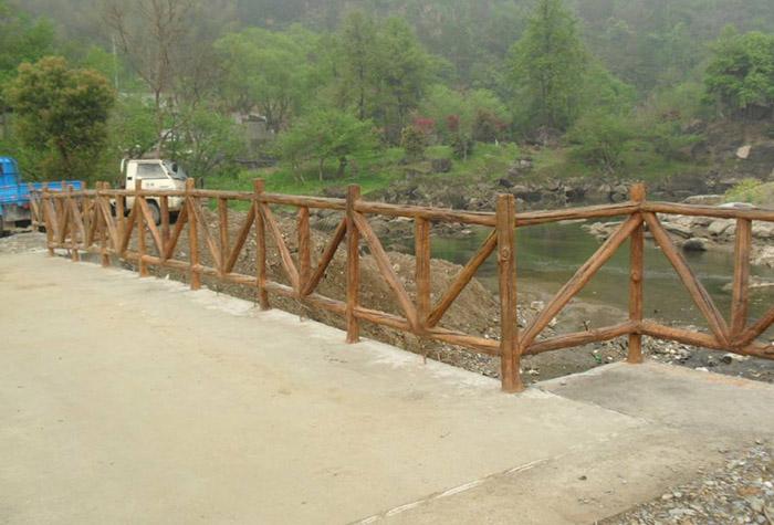 兰州水泥围栏厂家生产的水泥围栏为城镇增添光彩