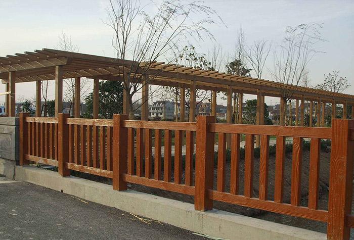 兰州水泥仿木护栏的优势有哪些?