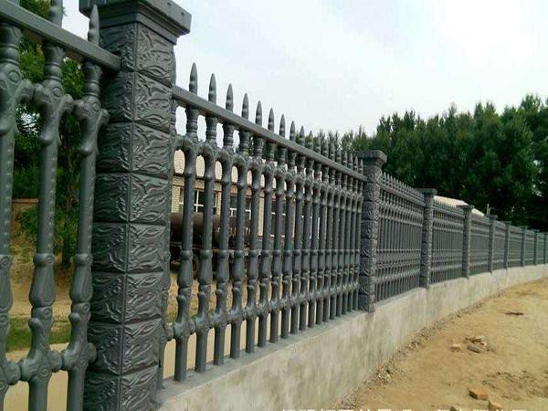 水泥围栏厂家分享为什么选择水泥围栏的理由?