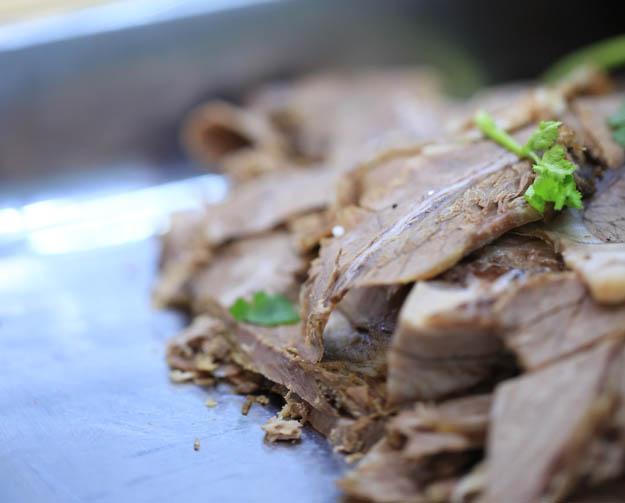 兰州德元纯汤牛肉面秘制酱牛肉开始预订了!!!