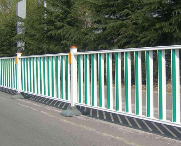 白银市政护栏厂家介绍市政护栏网和道路护栏的区别