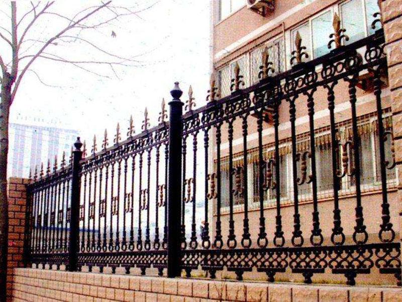 铁艺围栏的工艺分析