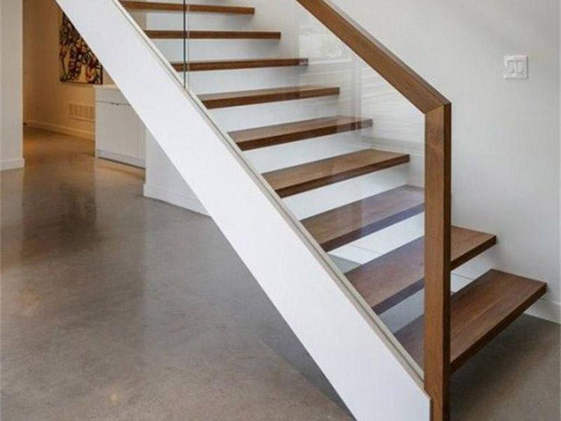 不锈钢楼梯扶手多少钱