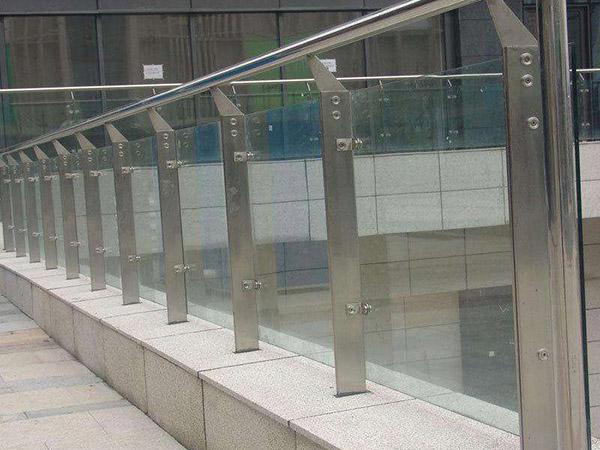 不锈钢栏杆设计