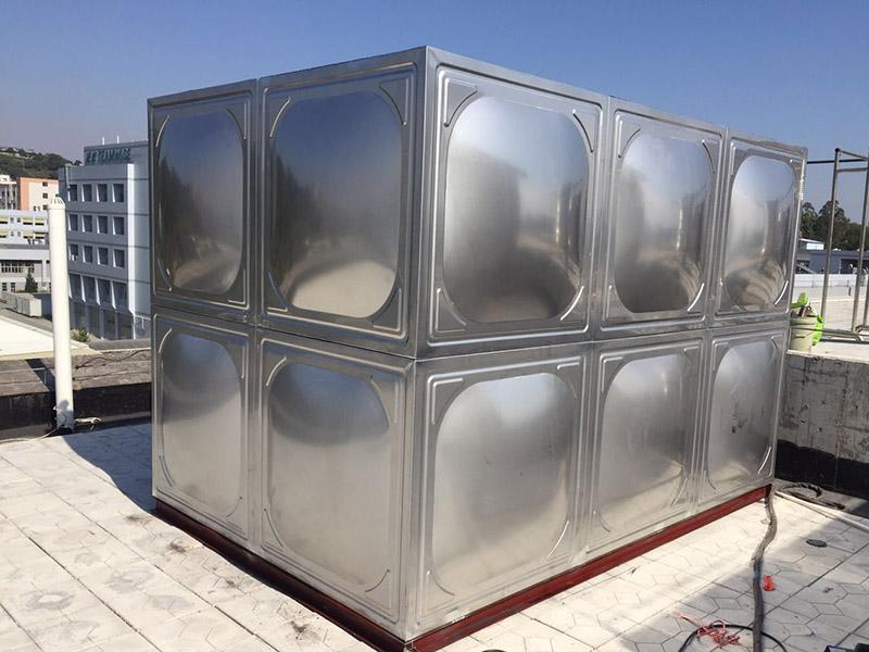 2吨不锈钢水箱