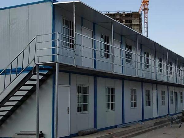为中海寰宇天下项目部提供住人集装箱安装