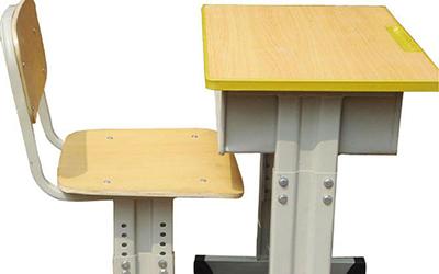 学生课桌椅厂家为你分析选择升降课桌椅的重要性