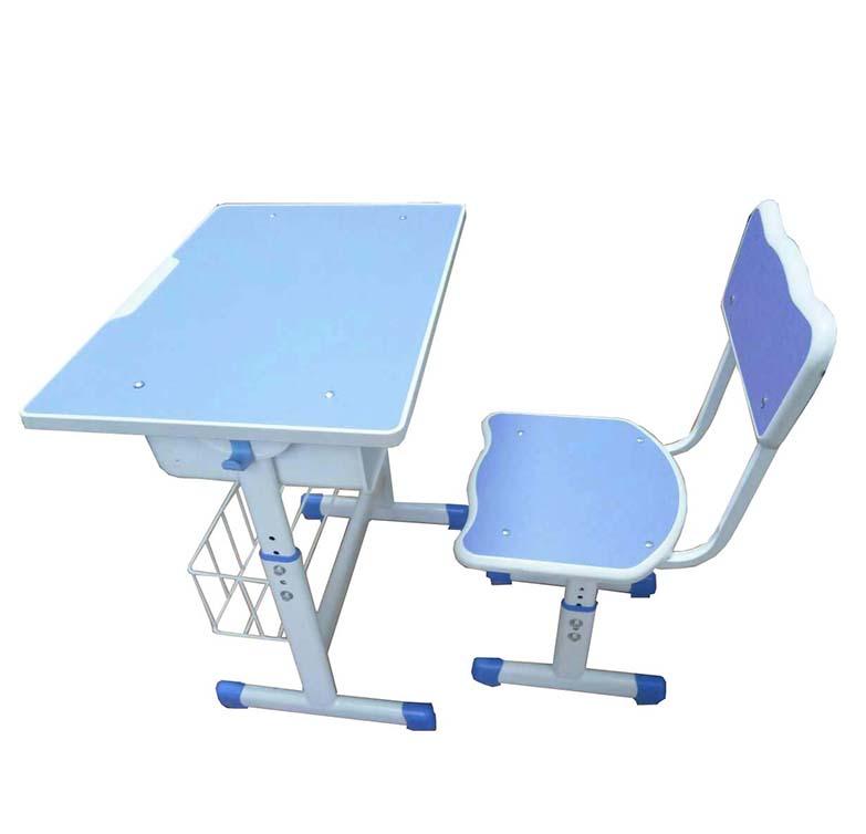 學生課桌椅比例不對會影響學生視力