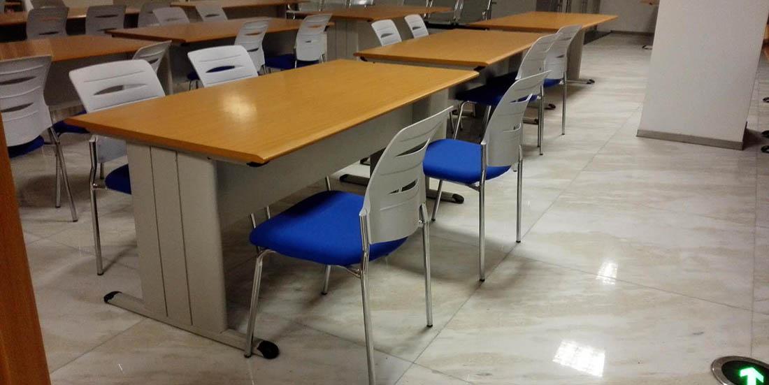 圖書館課桌椅