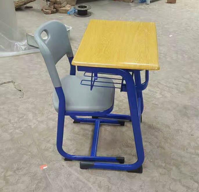 兰州单人课桌椅厂家