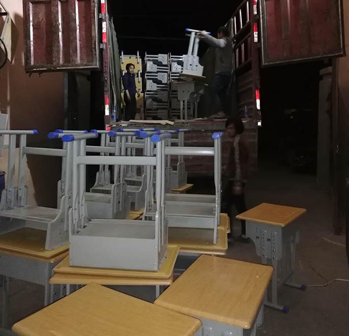 兰州课桌椅批发厂家