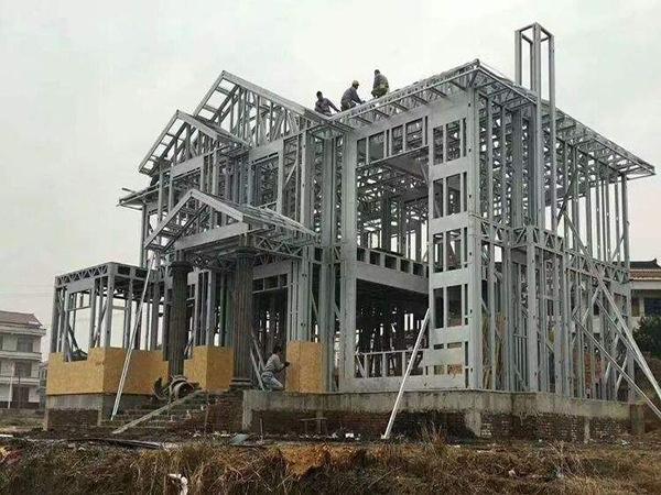 轻钢别墅在正常使用情况下,主体结构寿命有多久?
