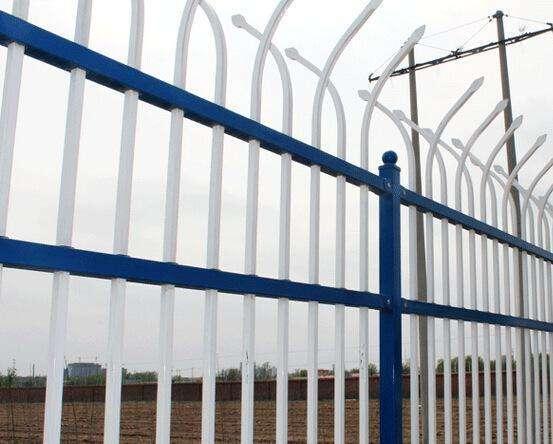 D型护栏锌钢