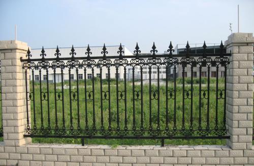 草坪护栏使用