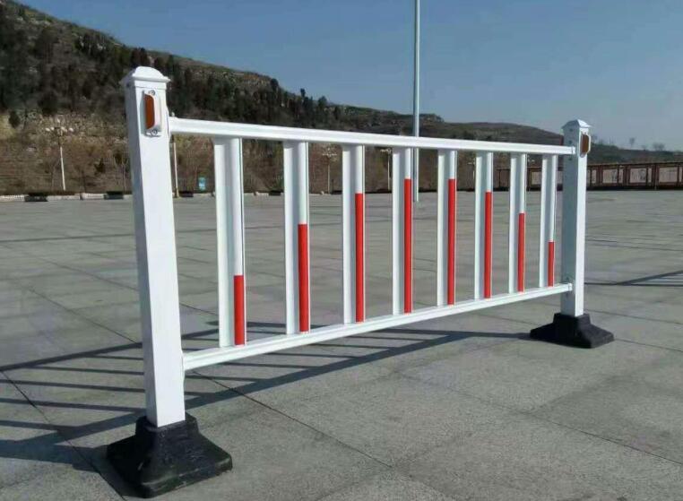 防眩目道路护栏和防撞护栏的区别
