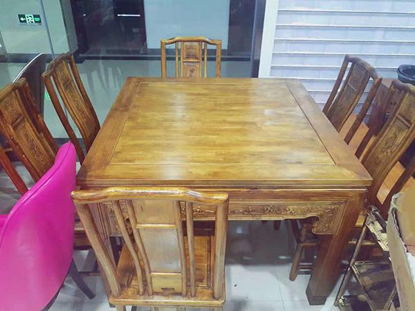 实木雕刻桌