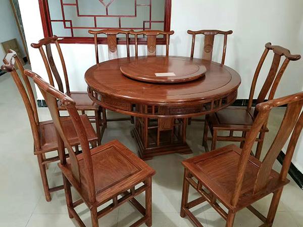 平凉酒店餐桌椅厂为您分享实木餐椅的一些保养技巧